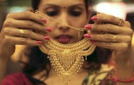 India's Gold demand to hit Quarterly Record amid Price Crash