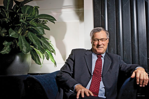 Sees Gold at $2,400 in a Year - Eric Sprott Answers Investor's Questions