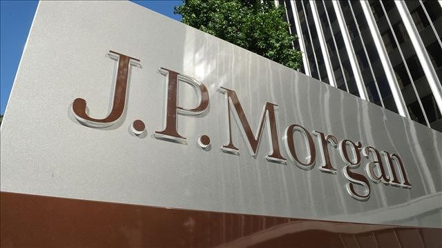 JPMorgan Agrees to London Whale Fines, Said to Admit Fault