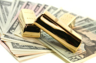 If The US Dollar Is Doomed, Gold Should Rise