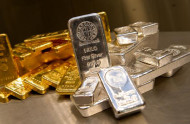 A Rush to Gold and Silver Simply Indicates the Falling Influence of US Dollar