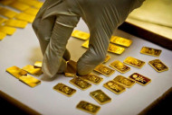 Surge in Smuggled Gold Hits Indian Gold Refiners, Gold Jewelers & Banks