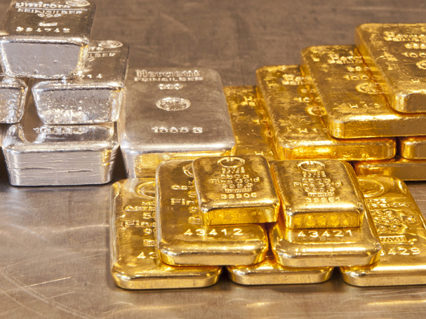Short Gold and Silver at your own Risk - Rather Buy the Dip