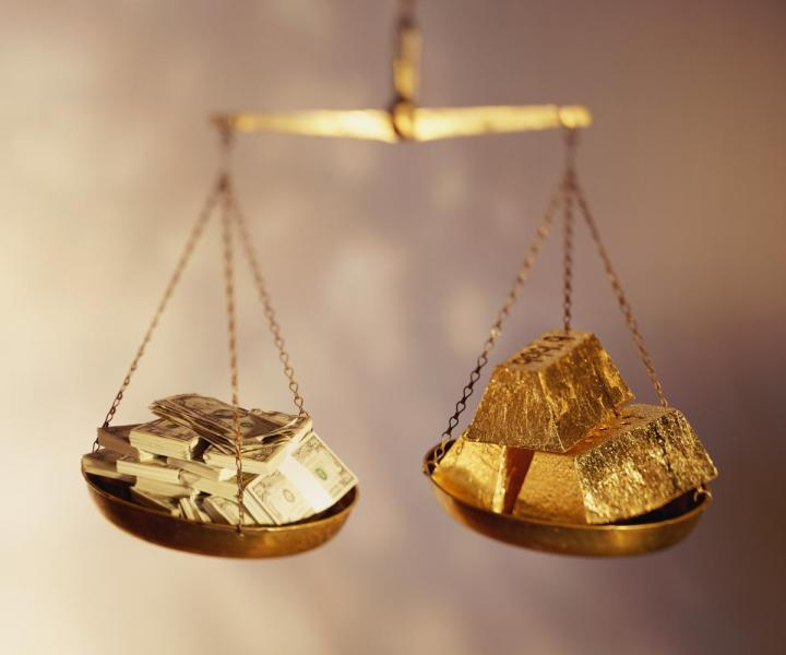 Why Gold Will Benefit From The Alternative Fact of the Cashless Society
