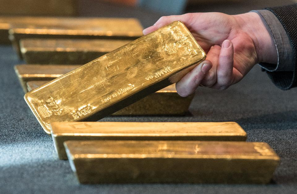 Gold Bullion Investment will keep Rising on Political & Economic Factors
