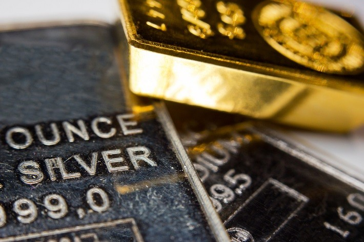 The Major Distinctions & Implications of Gold v/s Silver Investing