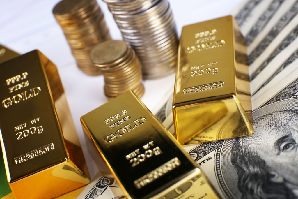 Stealth Rally in Gold Prices Enabled by the battered US Dollar